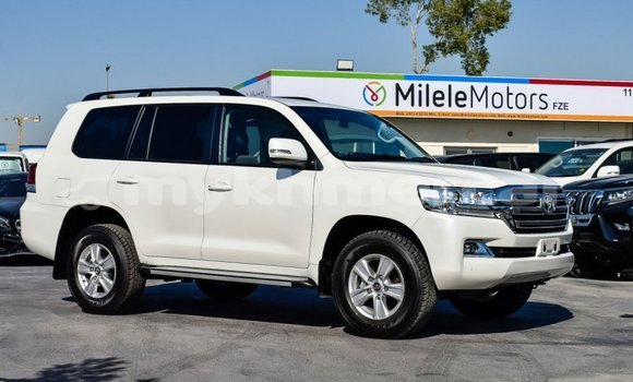 Buy and sell cars, motorbikes and trucks in Cambodia