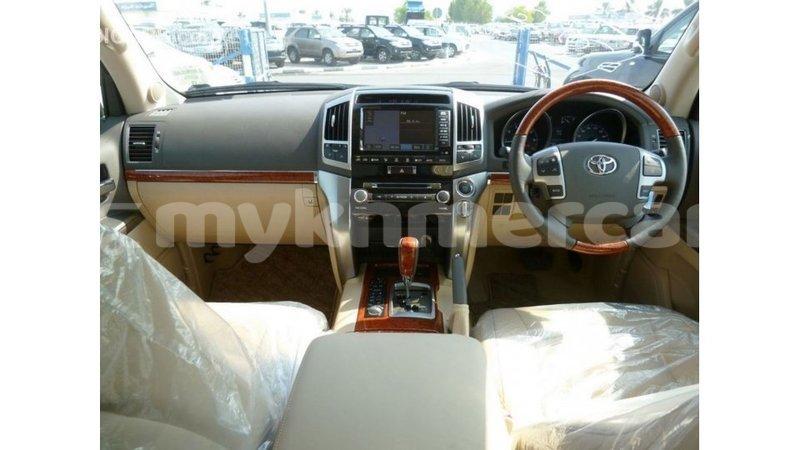 Big with watermark toyota land cruiser kampot province import dubai 3054