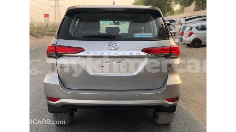 Big with watermark toyota fortuner kampot province import dubai 4451