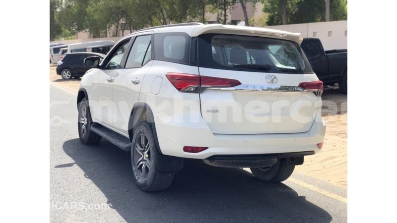 Big with watermark toyota fortuner kampot province import dubai 4825