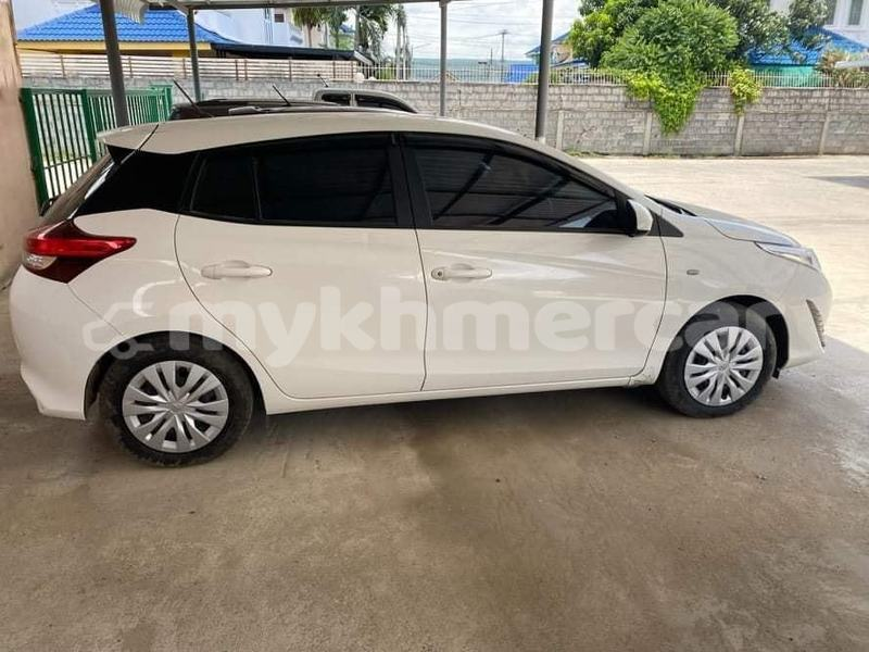 Big with watermark toyota yaris kampong speu province amleang 4908