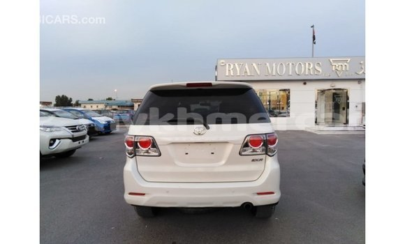Buy Import Toyota Fortuner White Car in Import - Dubai in Kampot Province